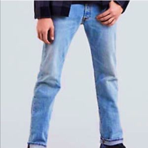 Levi's iconic 501 button fly jeans. Size 34 x 30